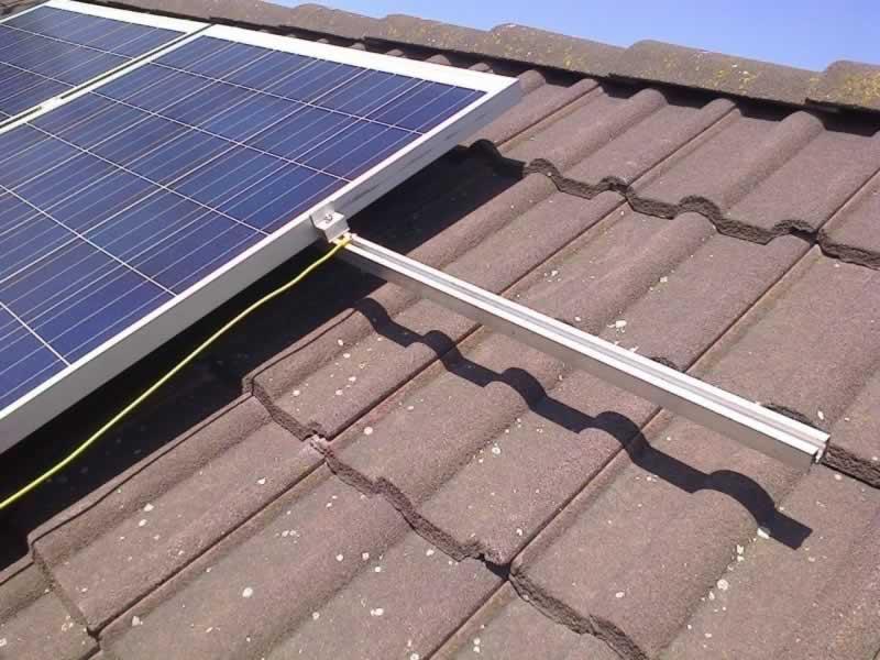 Tetőszigetelés Napkollektorokkal kiegészítve